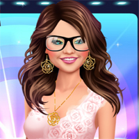 Free online flash games - Selena Showrush Makeover game - chicksgames